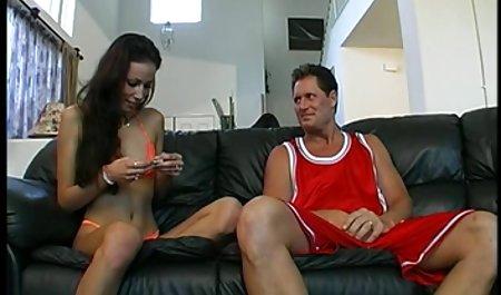 Menikah dengan kamera berhubungan seks, sementara suaminya bokep full movie sedang bekerja!