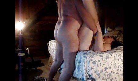 Kanako Kimura memberikan Sepong film movie bokep pada dua big cocks