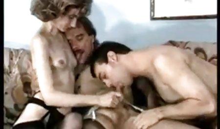 Perempuan sopir film video bokep hd taksi Brit mendapat anal dari penumpang
